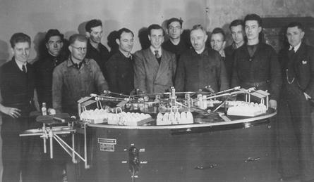 Vlnr: H.Geytenbeek, A.Bouw, E.Nab, H.v.d.Glind, H.Vunderink, C.Schmidt, T.Veer, J.Hanekamp, G.v.d.Kraats, O.Methorst, D.Broekhuizen, Hk.Berendse, 1949.