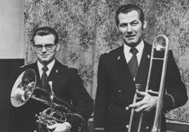 14 juni 1976 - twee jubilarissen bij Caecilia: Job Cozijnse (l) en Bertus van de Wetering (r).