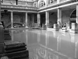 Een Romeins badhuis, zelfs nu nog met water gevuld.