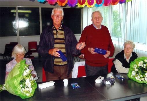 Afscheid in 2005. In het midden Jan (links) en Co (rechts) geflankeerd door hun echtgenotes