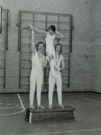 Links Pater, rechts Jan Voskuilen