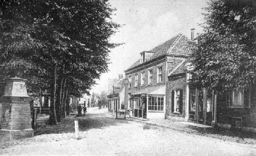 Methorst manufacturen aan de Kerkstraat  ± 1920