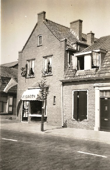Het sigarenmagazijn van Verwoerd, jaren vijftig.