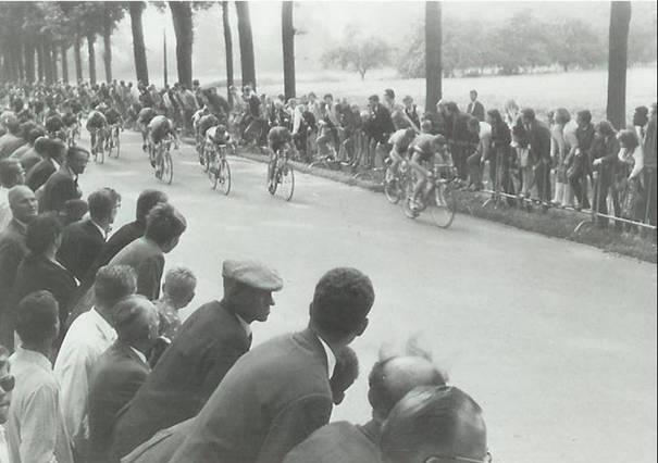 Huldiging Ab Ter Maten als winnaar van de Tour de Junior in 1963