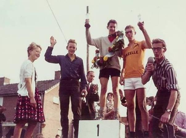 Ronde van Scherpenzeel op de Eikenlaan 1966