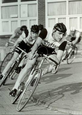 Ronde van Nuland. Matthijs op de voet gevolgd door Arnold Voogt