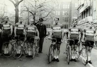 Militaire amateurploeg 1970. Geheel rechts Matthijs.